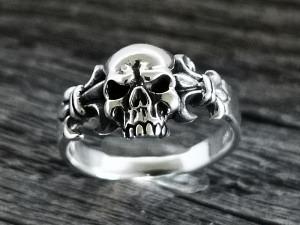 Silber Ring Totenkopf & Lilie