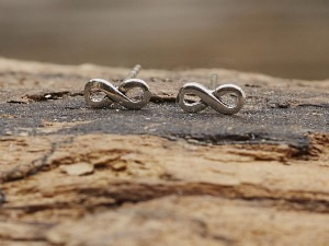Silber Ohrstecker Infinity