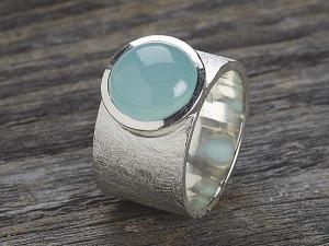 Silber Ring breit matt mit rundem Stein