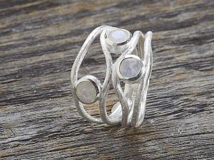 Silber Ring mit drei Steine versetzt